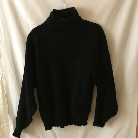 7665ca7fc9 RESERVED chunky Black Sweater. M 5a4bd1095521be516f091245